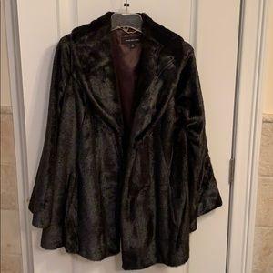 Jones New York faux fur jacket ! Size S!